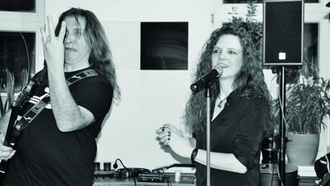AniLorak spielen rocken am Mittwoch, den 20. Juni das Halberstädter Publikum in der Kulturwirtschaft papermoon