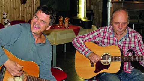 Michael Berndt und Stephan Kießling spielen in der Kulturwirtschaft papermoon in Halberstadt
