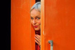 """Ellen Schaller kommt mit ihrem aktuellen Kabarettprogramm """"Im Kühlschrank brennt noch Licht"""" in die Kulturwirtschaft papermoon nach Halberstadt"""