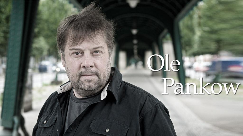 Der Berliner Autor Ole Pankow liest auf Einladung der Kulturmanufaktur aus seinem aktuellen Buch in der Halberstädter Kulturwirtschaft papermoon