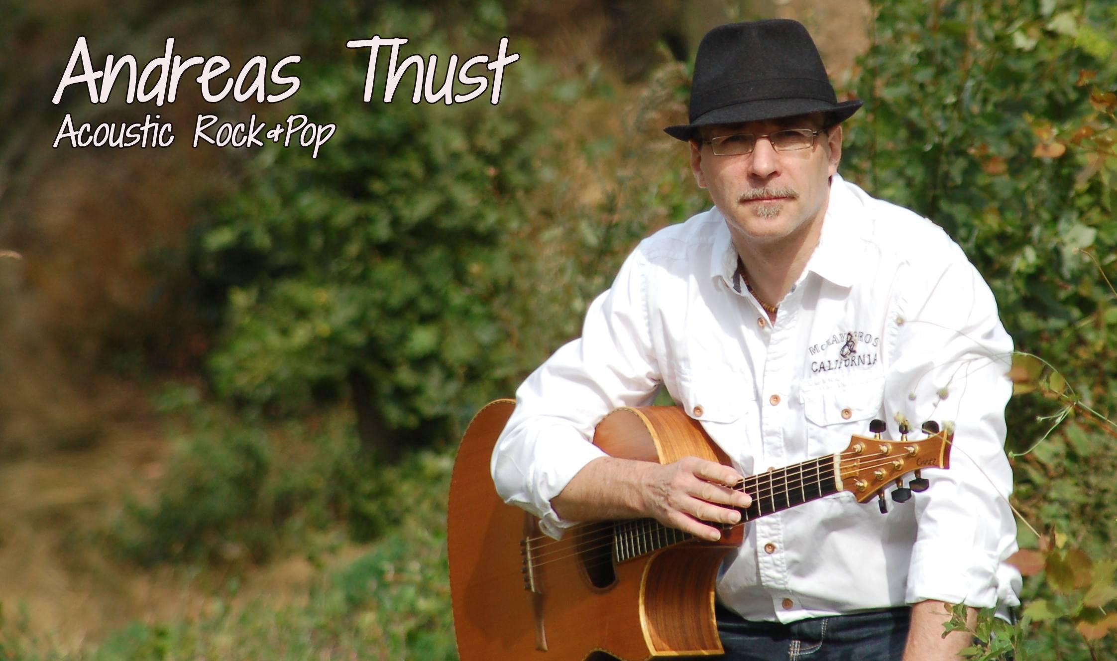 Andreas Thust spielt in der Halberstädter Kulturwirtschaft papermoon