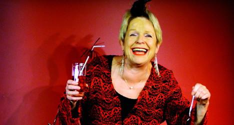 Die Kabarettistin Gisela Oechelhaeuser kommt auf Einladung der Kulturmanufaktur Halberstadt e.V. ins papermoon